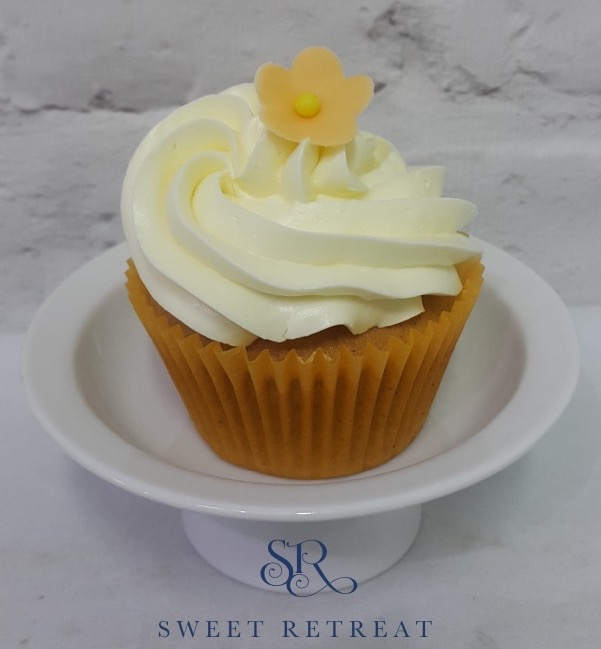 19. Carrot Cupcakes with White Chocolate Buttercream - 100 baht