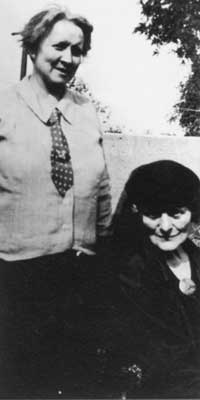 Moloney (left) with Maud Gonne.
