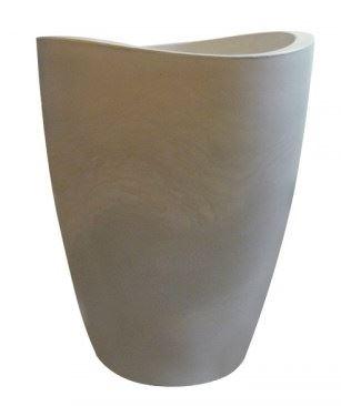 Vasos de polietileno (cor a definir) para as áreas abaixo do nível da piscina