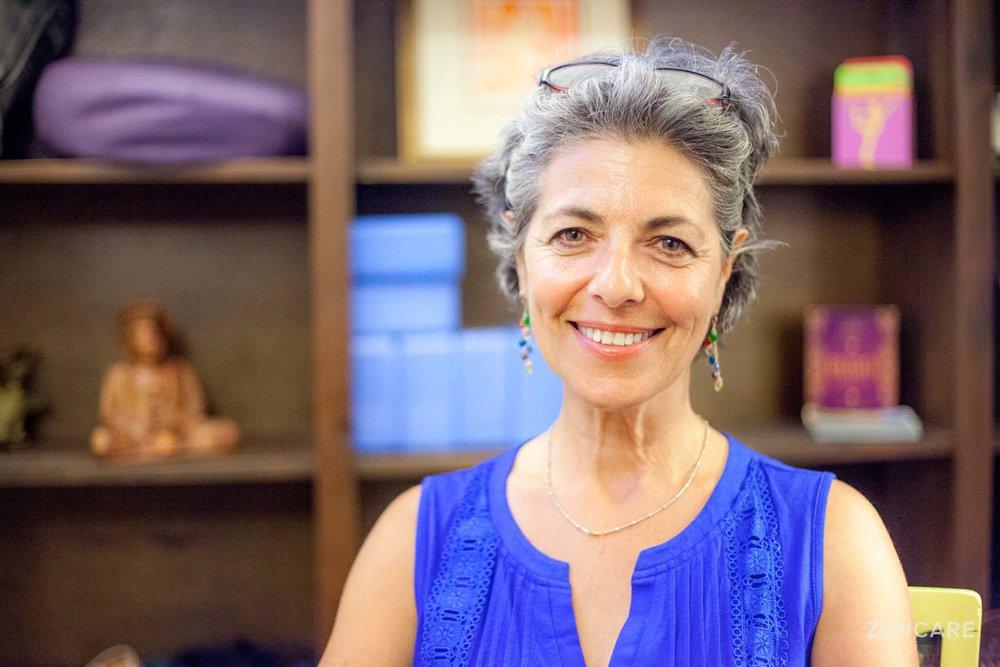 Jane Mizrahi LICSW_Therapist_Providence_Zencare_1.jpg