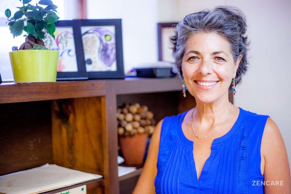 Jane Mizrahi LICSW_Therapist_Providence_Zencare_4.jpg