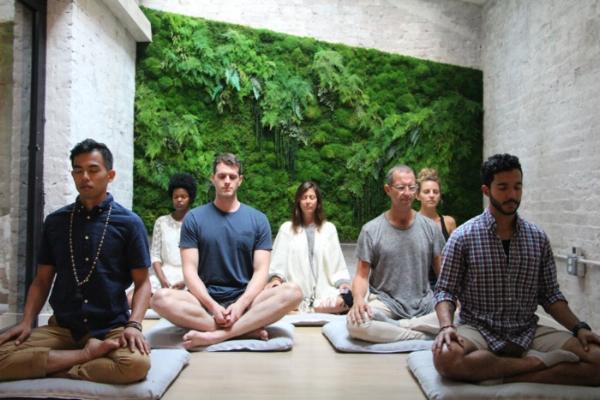 Photo courtesy of    MNDFL   , a meditation studio in New York City.