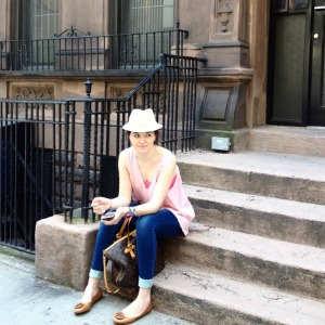 Sitting on the steps of my Upper East Side walk up - #gossipgirl