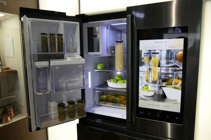 High-Tech Transform Kitchens into Real Life Sci-Fi — Cindy McCarley ...