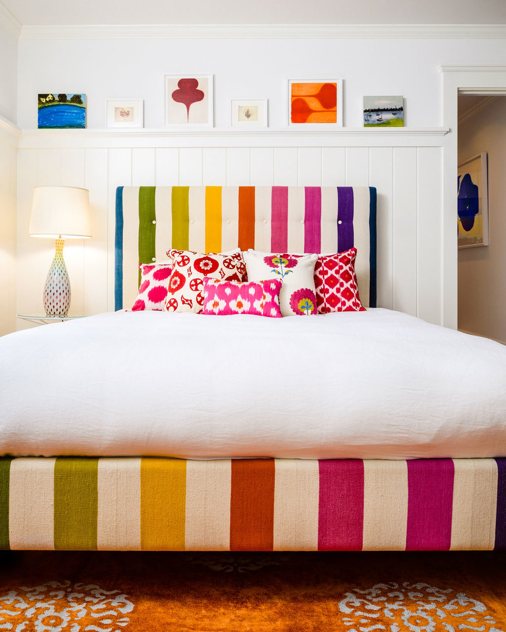 colorful-bedroom.jpg