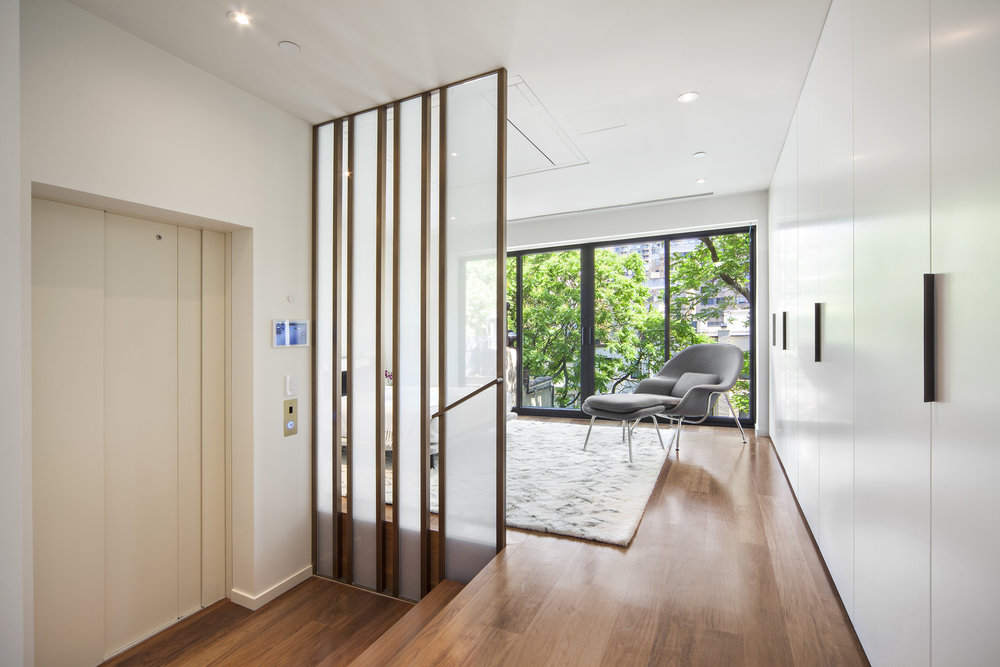 251E61_TH_hallway.jpg