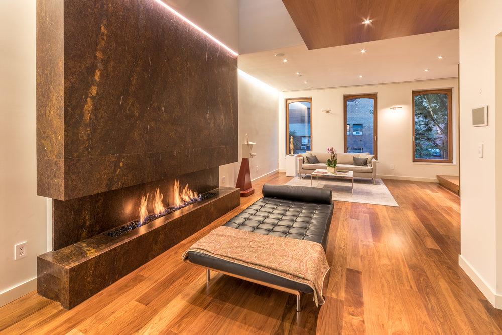 2017-10-20 - Exterior, Living Room, Courtyard-10.jpg