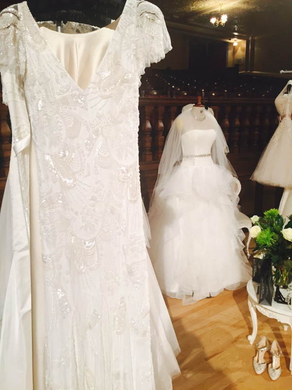 Eliza Jane Howell gown Jayne & Pronovias gown Beila.