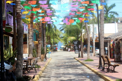 sayulita plaza to beach