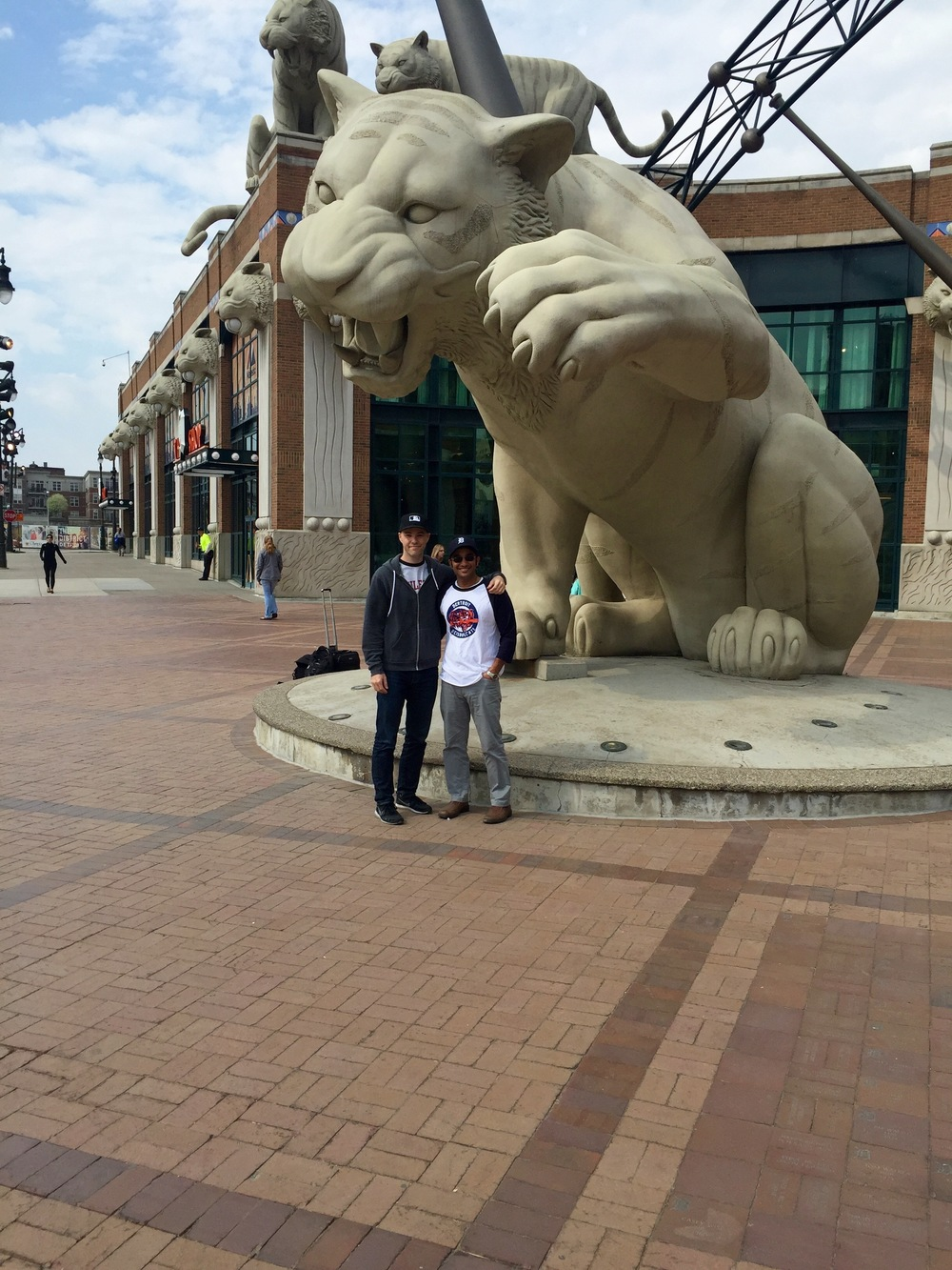 15_zack_and_muneesh_posing_with_the_big_cat.jpg