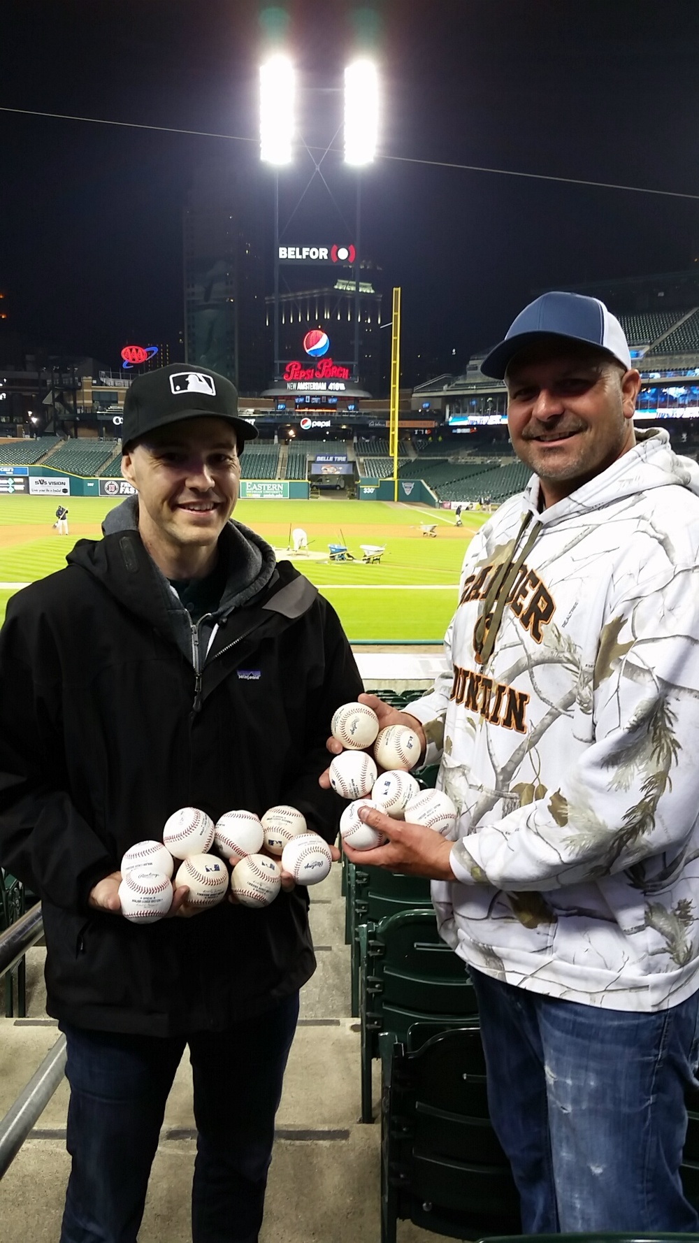 86_zack_and_bill_with_baseballs_final_tally_ten_to_six.JPG