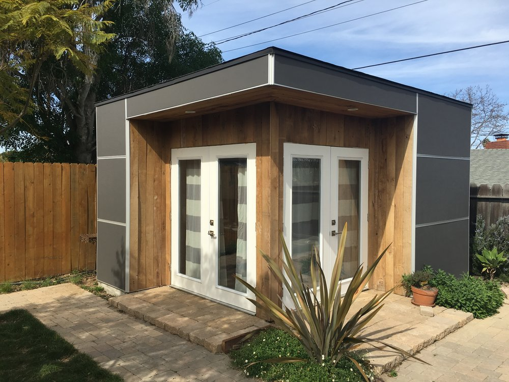 Small Studio Office - Efficient and compact small offices ideal for a home office, storage shed or pool house.
