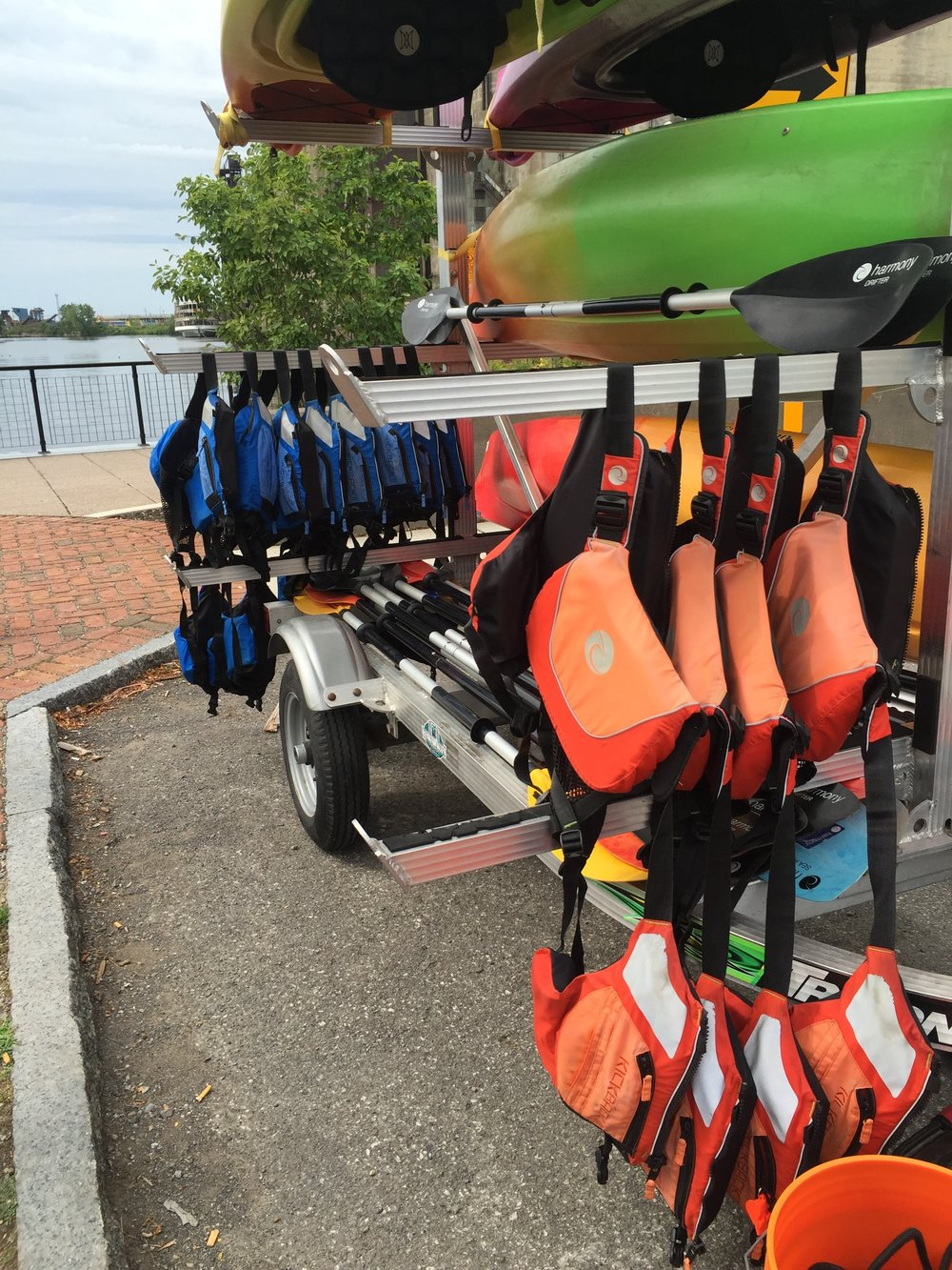 Rent kayaks next to the launch or from the store a few yards away.