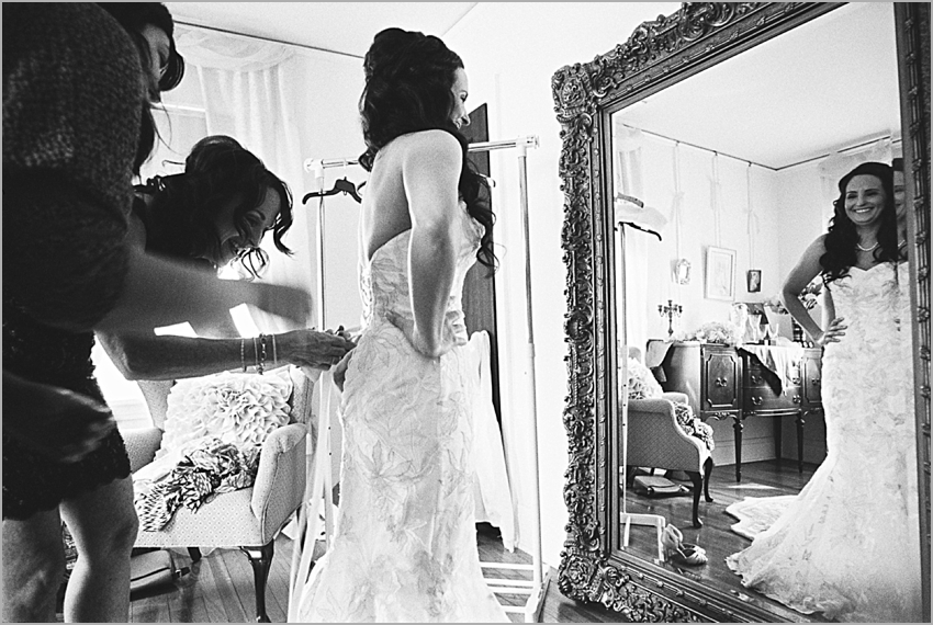 getting ready wedding historic home phoenix