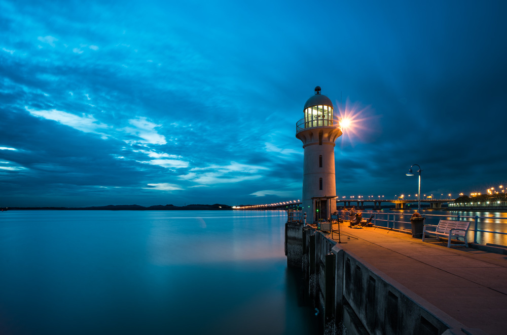 Raffles Marina Lighthouse,  image courtesy of Steven Hee