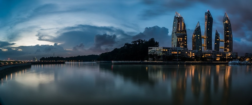 A great panorama of the Reflections condo, near Keppel Bay. The condo design always reminds me of the cover of a cheesy 80s novel!   Image courtesy of Steven Hee