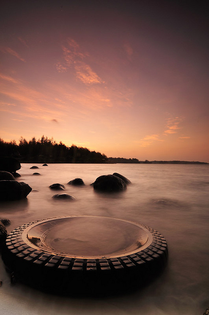 There's no better spot for long exposure shots of waves than Punggol waves. Fans of the ND10 will never get tyred.  Image courtesy of Wee Aik Chye