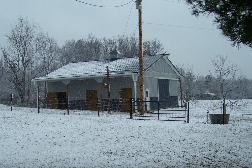 Horse barn/ 36' x 40' x 10' w 2/ 6' lean to's