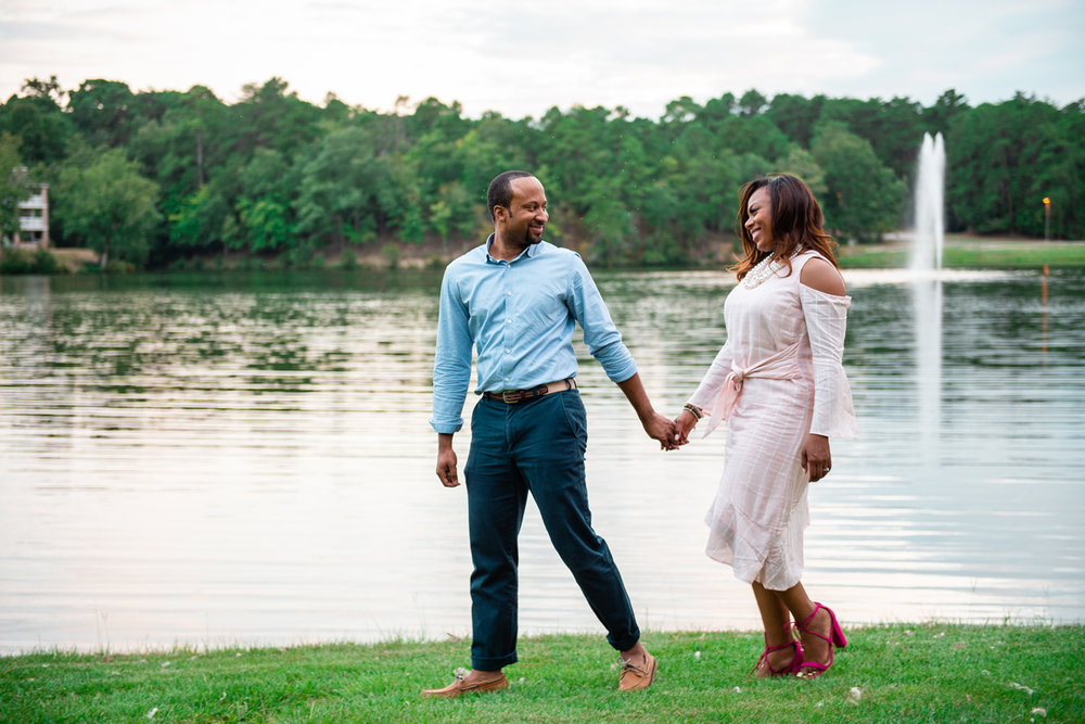 brittney-rodney-engagement-pictures-birmingham-alabama (40).jpg