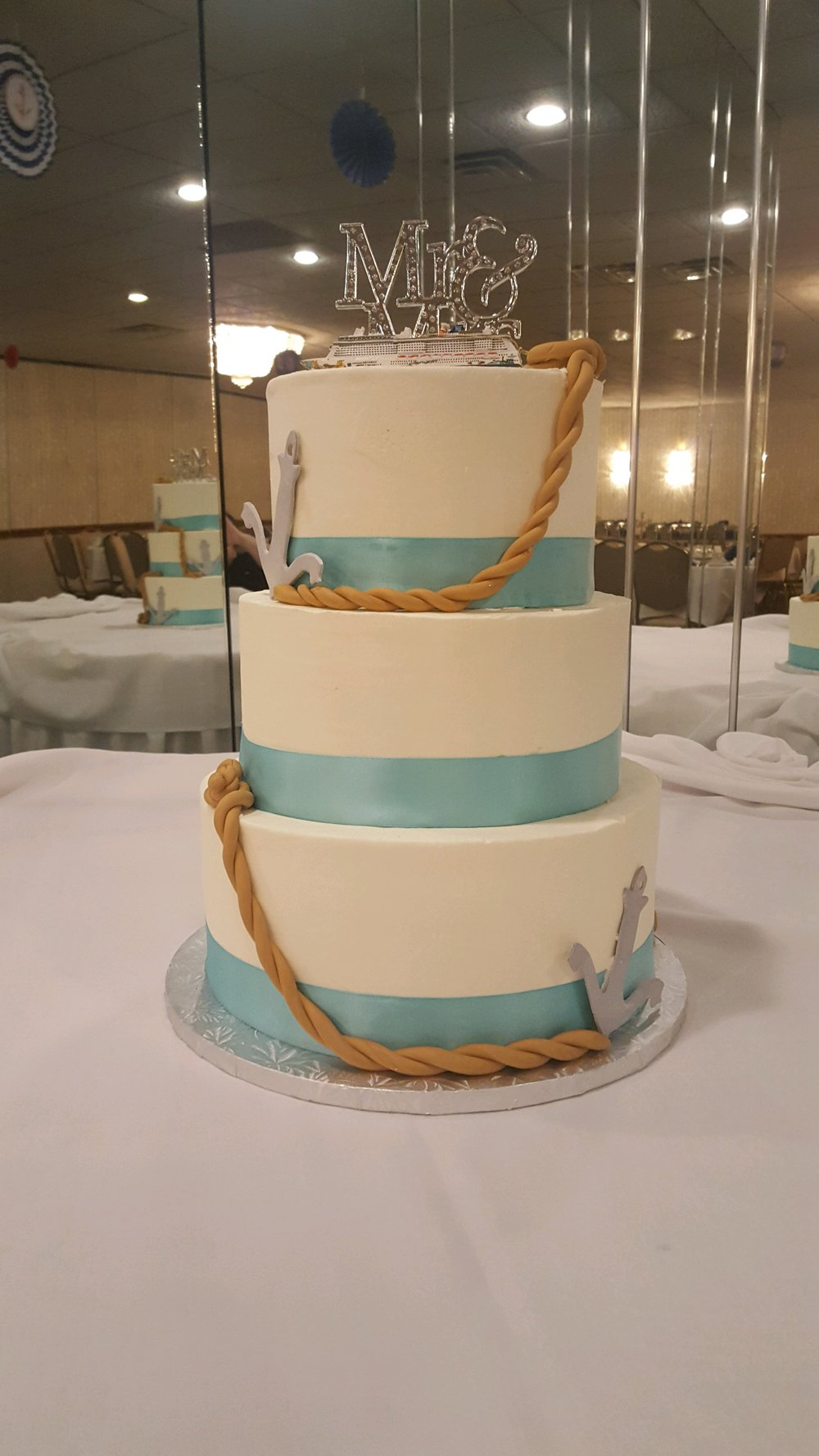 Wedding3tierNauticalseablue.JPG