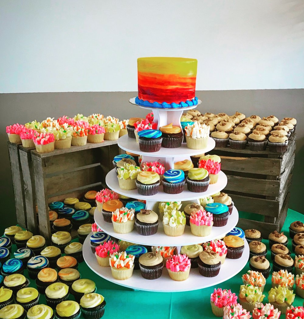 Weddingcupcakesvivid.JPG
