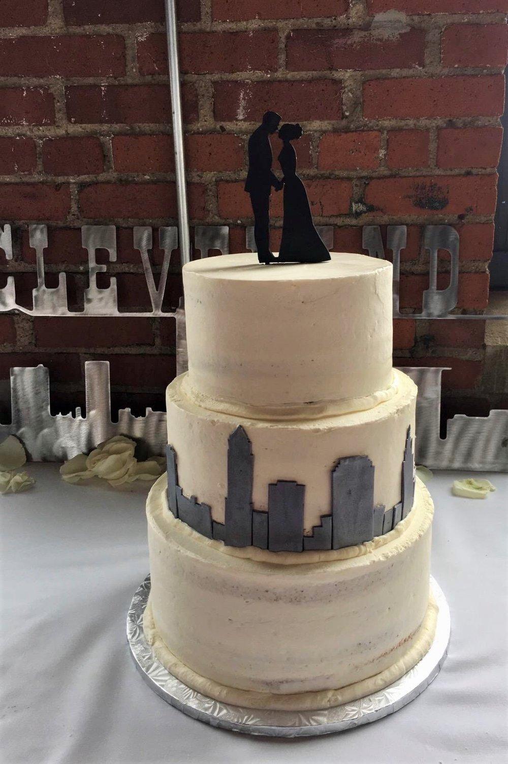 Wedding3tierCLE.JPG