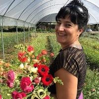 NICHOLE SKALSKI Owner of California Sister & Sonoma Flower Mart Sebastopol, Ca californiasister.com sonomaflowermart.com