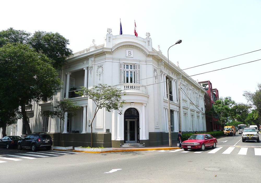 hotel b facade