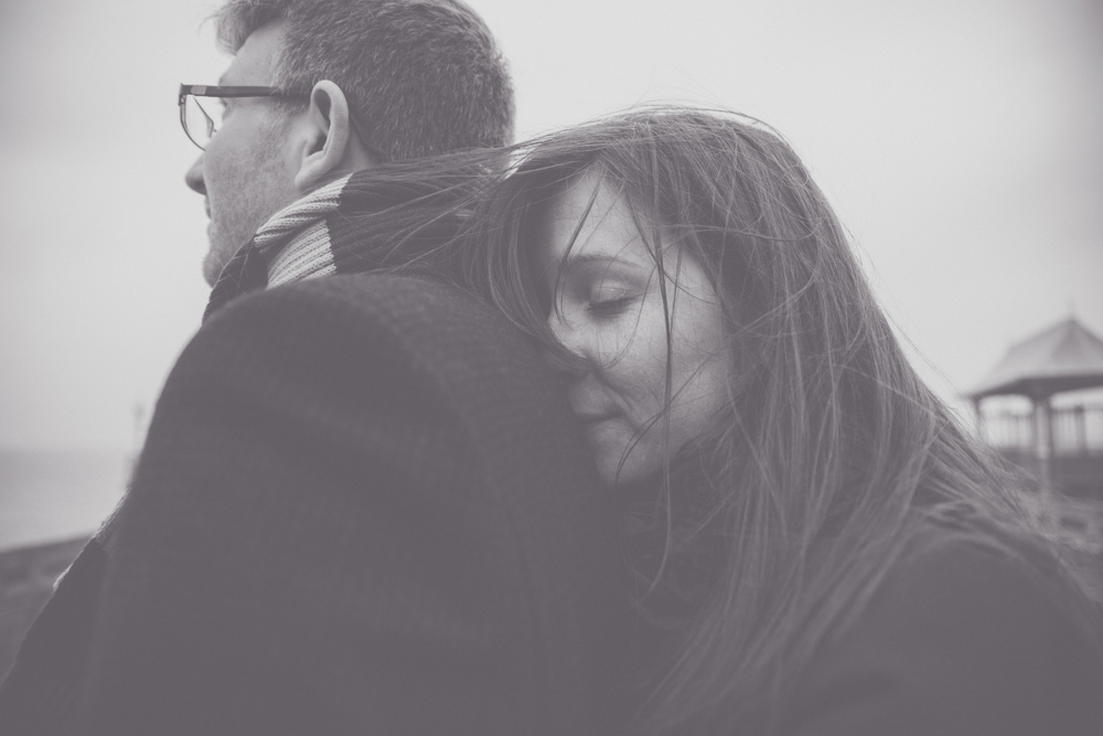 JAMES + ANNIKA - CLEVEDON PIER ENGAGEMENT SNEAK-6.jpg