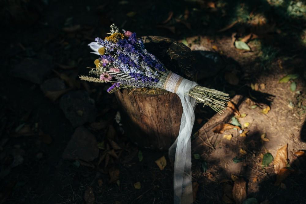 Joe+Lauren Intimate Woodland Handfasting - Naomijanephotography 33.jpg