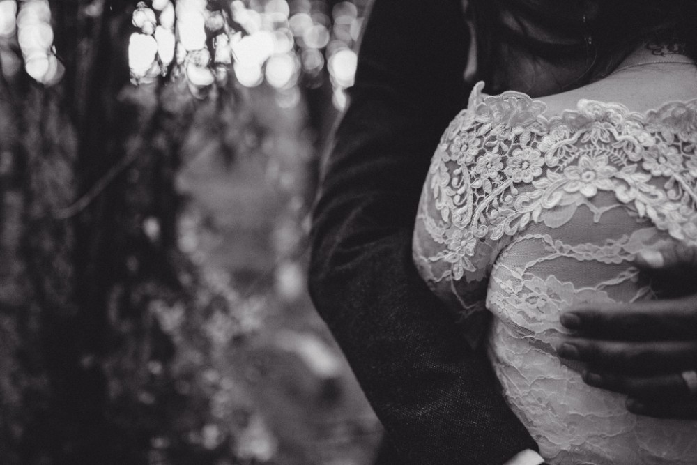 Joe+Lauren Intimate Woodland Handfasting - Naomijanephotography 78.jpg