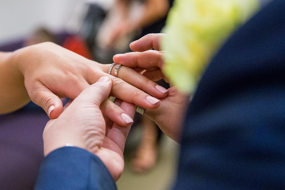 NYC-Wedding-photography-dumbo-train-6.jpg