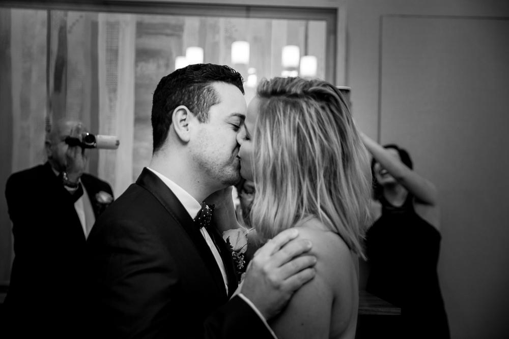 NYC-Wedding-photography-dumbo-train-9.jpg