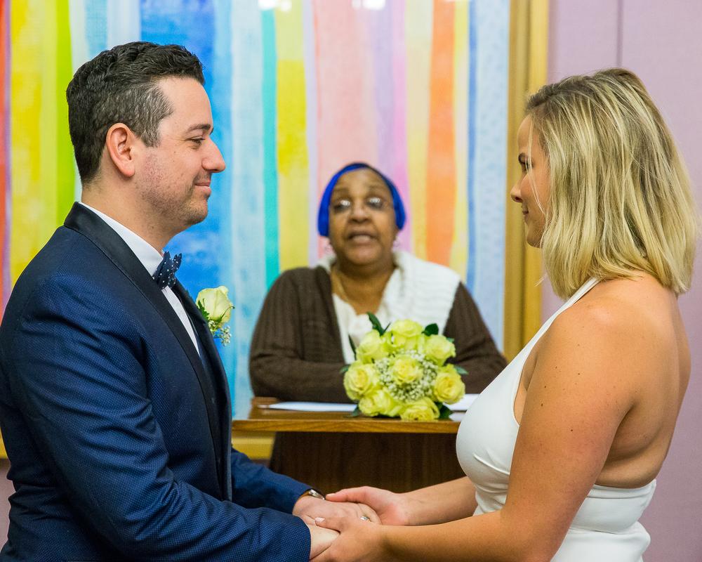 NYC-Wedding-photography-dumbo-train-8.jpg