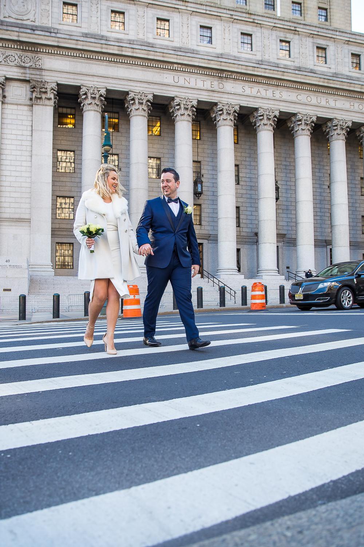 NYC-Wedding-photography-dumbo-train-11.jpg