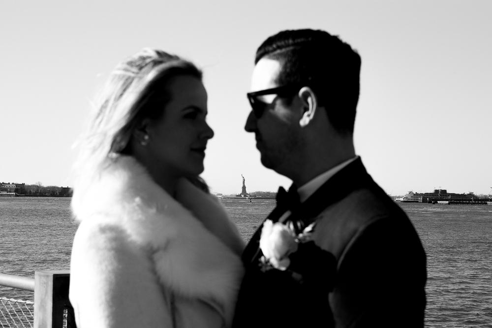 NYC-Wedding-photography-dumbo-train-15.jpg