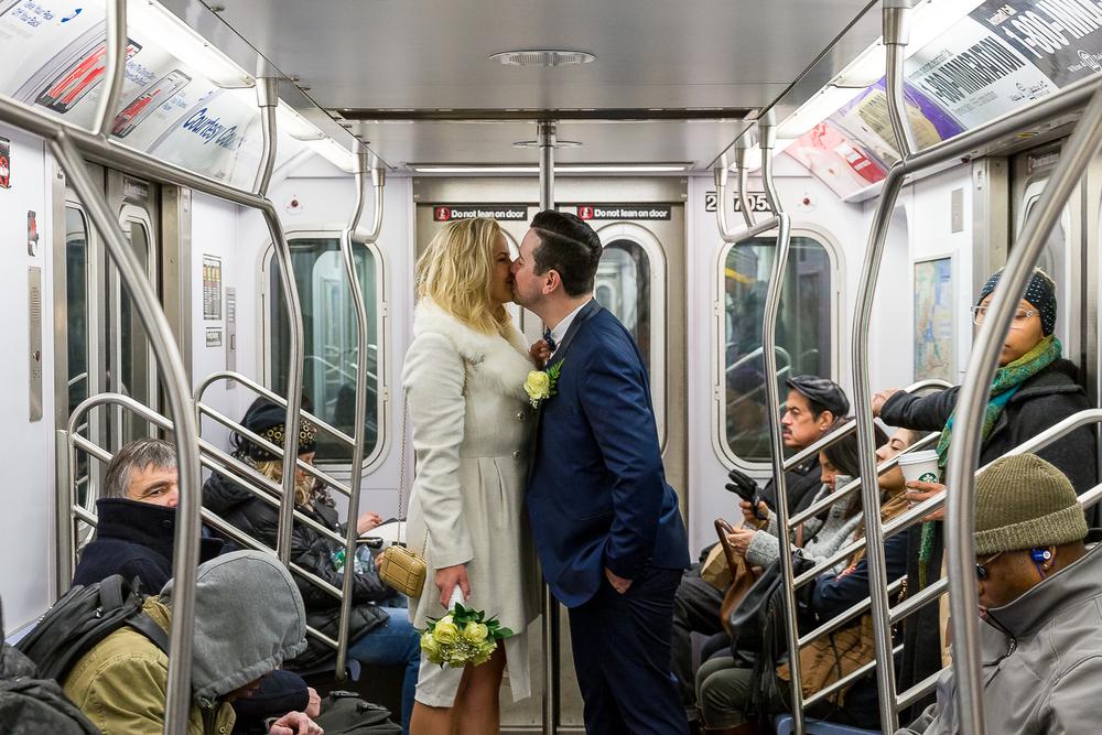 NYC-Wedding-photography-dumbo-train-18.jpg