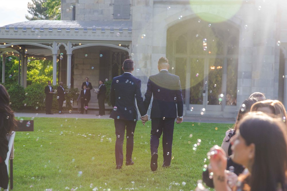 lyndhurst-mansion-amazing-gay-wedding-42.jpg