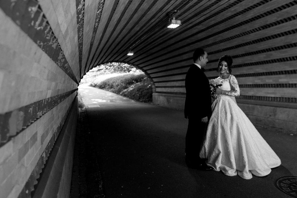 baku-Restaurant-wedding-photography-central-park-16.jpg