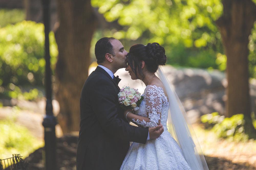 baku-Restaurant-wedding-photography-central-park-15.jpg