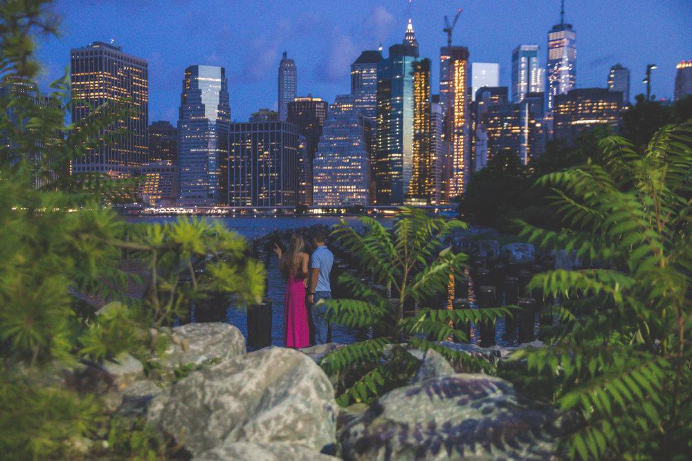 amazing-sunrise-engagement-photography-brooklyn-bridge-dumbo-2.jpg