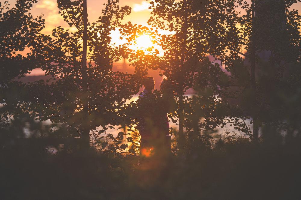 amazing-sunrise-engagement-photography-brooklyn-bridge-dumbo-9.jpg