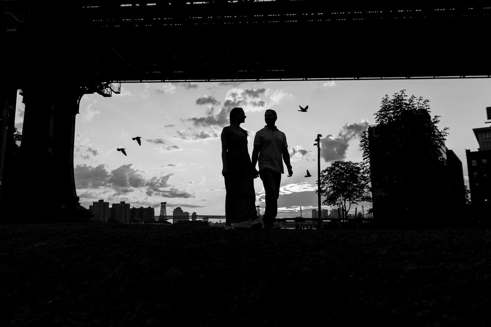 amazing-sunrise-engagement-photography-brooklyn-bridge-dumbo-12.jpg