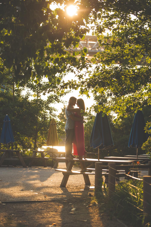 amazing-sunrise-engagement-photography-brooklyn-bridge-dumbo-23.jpg