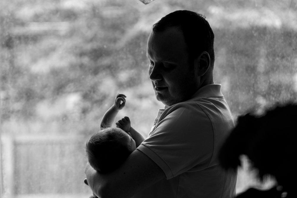 Brooklyn-newborn-family-photographer-outdoor-8.jpg