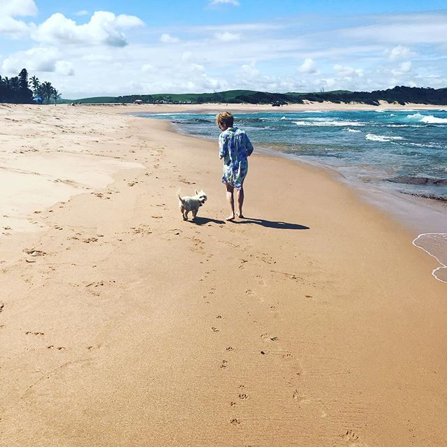 Love seeing these two together on the beach #grandpuppy