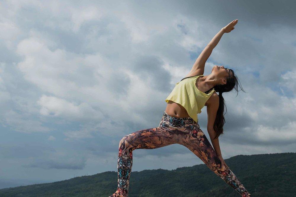 "Vivian gjør yoga i Villa Faraldi - ""the peaceful warrior"""