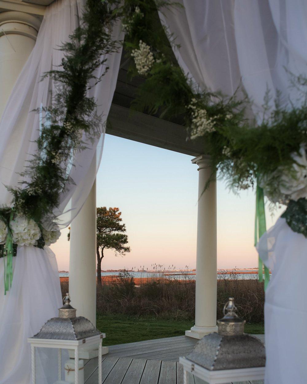 Planner : Alison to the Altar Venu: Lighthouse Sound Florals : Little Miss Lovely