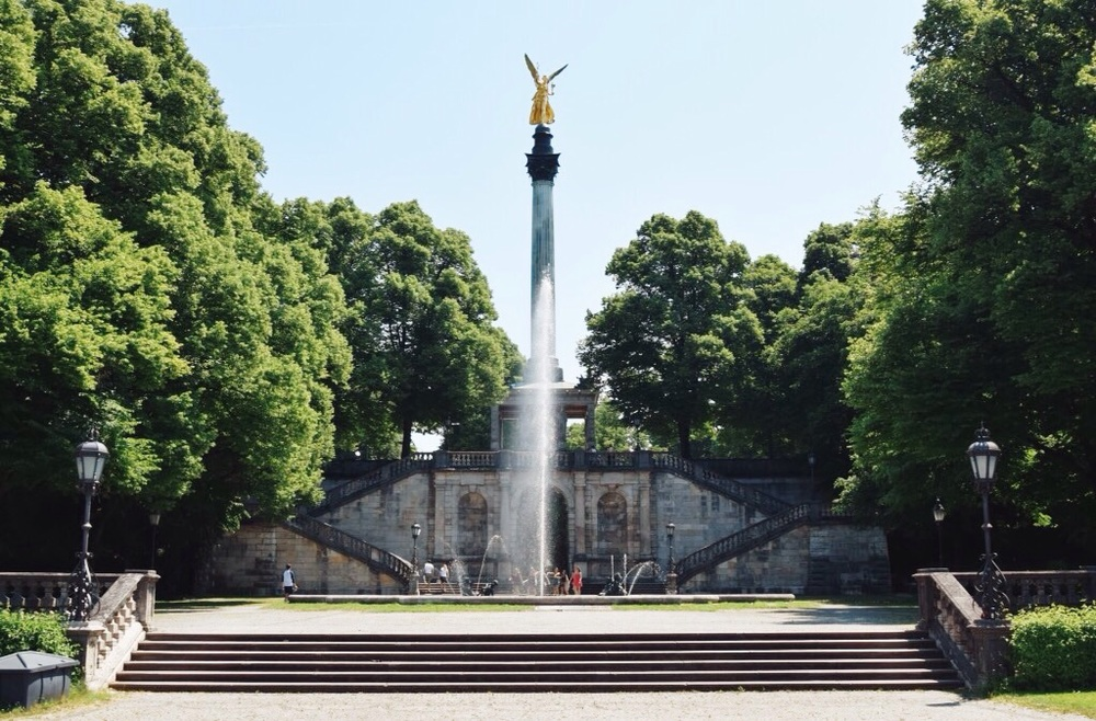 The monument of the Angel of Peace is a tribute to the 25 years of peace after the German-Franco war of 1870/71.