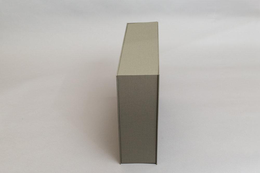 waging_box_02.jpg